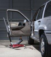 Replacing worn-out door-hinge