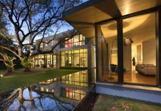 Modern House in Miami by